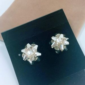 Jewelry - SALE💛 New Gold Plated Bow Stud Earrings